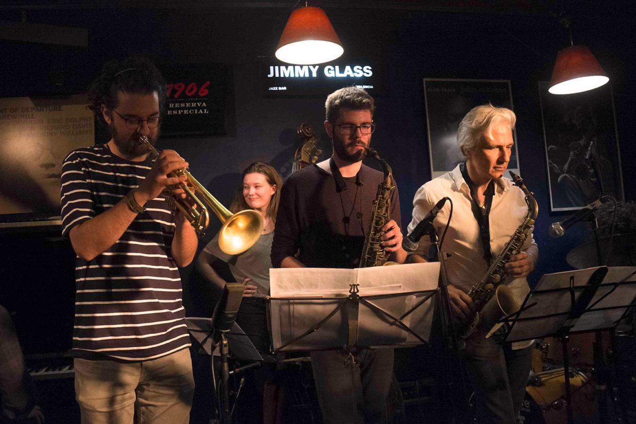"Recording ""Víctor Jiménez & Friends 2"" at Jimmy Glass Jazz Bar"